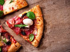 Best Pizza in Turin list by locals. These popular pizzerias in Turin will satisfy your pizza craving! Places to go for pizza in Turin. Pizza Restaurant, Pizzeria, Pizza City, Healthy Italian Recipes, Pizza Kitchen, Healthy Pizza, Food Trends, Living At Home, Avocado Pizza