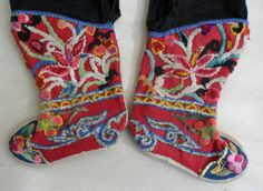 Chinese Minority people's old embroidery child baby shoe trousers