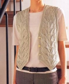 örgü The Effective Pictures We Offer You About beginner Knitting A quality picture can tell you many things. Designer Knitting Patterns, Knitting Designs, Knitting Patterns Free, Knit Patterns, Knitting Blogs, Lace Knitting, Knit Crochet, Knit Vest Pattern, Clothes Crafts