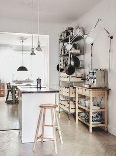 my scandinavian home: A Delightful, Pared-Back Swedish family Home Scandinavian Apartment, Cozy Apartment, Scandinavian Home, Apartment Kitchen, Kitchen Interior, Ikea Interior, Studio Kitchen, Kitchen Design, Minimalist Modern Kitchens
