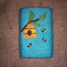 Felt soap  keçe sabun keçe kese Bee Soap pouch Crafts To Do, Felt Crafts, Felted Soap, Needle Felting Tutorials, Soap Packaging, Felt Ball, Bees Knees, Cold Process Soap, Soap Molds