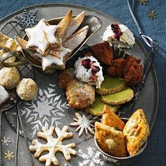Baking cookies: More than 150 recipes for your Christmas cookies - Without Christmas cookies, Christmas would only be half as beautiful! 100 recipes for Christmas coo - Roast Beef Sandwiches, Sandwich Cake, Sandwiches For Lunch, Dessert Dips, Dessert Table, Desserts, Biscuit Cookies, No Bake Cookies, Baking Cookies