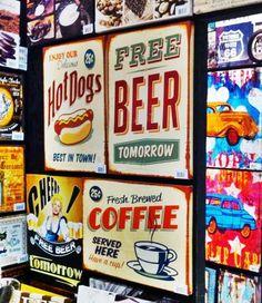 As telas retro são tendência no ornamento de interiores, ainda mais porque dão um toque vintage a sua decoração. Conecte-se ao site da Adoro Presente e venha conferir as telas, quadros e placas que dão um up na sua decoração. #telas #quadros #TelasRetro ##retro