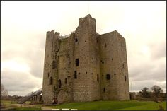 Trim Castle is the largest Norman castle in Ireland of which we have many. Winner of a Europa Nostra restoration award. These great stone castles are potent symbols of the Norman occupation of Ireland. Trim was built during the late 12th and 13th centuries. Built by Hugh de Lacy and his son Walter it overlooks the Boyne(diverted to fill a moat) in a strategic position. Walk around the walls and tour the keep. Hear about treachery, wife-stealing and invasion. The movie Braveheart was shot…