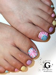 american & british flags in pastel tone colors toe nail art