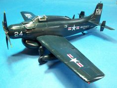 Douglas Aircraft, Thing 1, Guppy, Paper Models, Model Building, Small World, Planes, Fighter Jets, Modeling