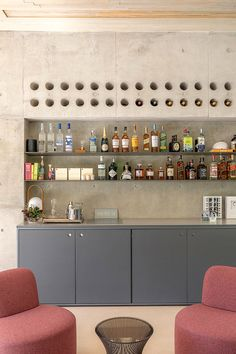Open House Giovana Giosa - 1ª Parte | Casa de Valentina Bar Interior, Home Interior Design, Interior Decorating, Small Bars For Home, Kitchen Bar Design, Game Room Bar, Home Bar Decor, Bar Home, Modern Home Bar