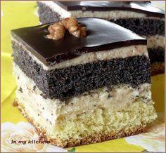 """Ciasto z serii """"przepisy ze starego zeszytu"""". Celowo zostawiłam nazwę ciasta """"Placek z makiem i masą orzechową"""", bo przepis pod taką nazw... Unique Desserts, Cute Desserts, No Bake Desserts, Polish Desserts, Polish Recipes, Cake Cookies, Cupcake Cakes, Sweet Recipes, Cake Recipes"""