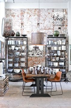 Love Industrial Interior Design, Industrial Cafe, Industrial Living, Industrial Interiors, Industrial Furniture, Industrial Style, Industrial Windows, Industrial Bookshelf, Industrial Restaurant