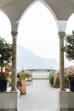 The Top 5 Destination Wedding Venues on the Amalfi Coast! Wedding Venues Italy, Italian Wedding Venues, Destination Wedding Locations, Best Wedding Venues, Italy Wedding, Italian Weddings, Wedding Destinations, White Weddings, Amalfi Coast Wedding