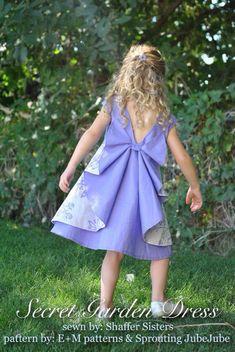 предлагаю вашему внимаю красивое платье для детей разного возраста Выкройки даю на разный возраст, читайте внимательно.Сама не шила Моей модели платье не пришлось по вкусу.
