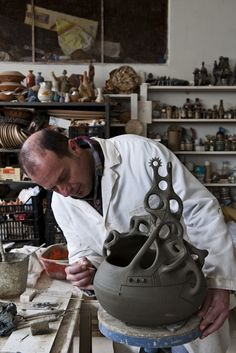 Hospitality / Travel / Lifestyle - Sardinian hand worked pottery - Stefano Scatà Photography
