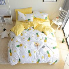VClife King Size Bedding Textile 3 PCS Duvet Cover Pineapple Fruit Design Comforter Cover with Zipper Closure Four Corner Ties