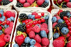 TIP OF THE DAY! ---- Always remember to give your berries a diluted vinegar bath before storing them. Just use a mixture of 1 cup white vinegar and 3 cups water -  this will make them mold-free for days. #DIY #Cooking #Health #Healthy #Berries