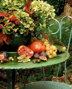 Al Fresco Autumn in Provence& Fall Home Decor, Autumn Home, Early Autumn, Fruits Decoration, Fall Fruits, Autumn Table, Harvest Time, Gardening, Autumn Garden