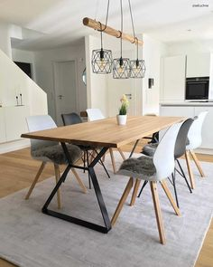 Best of La salle à manger The dining room is a basic environment where you can feel comfortabl Rustic Dining Room Sets, Dining Room Design, Interior Design Living Room, Living Room Decor, Interior Decorating, Scandi Dining Table, Dining Sofa, Design Table, Patio Dining