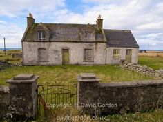 Casa abandonada Croft (granja) casa abandonada. Las islas occidentales de Escocia sufren despoblación que se traduce en hogares rurales y croft casas cayendo en desuso. Ubicación: Isla de Lewis Na h-Eileanan Siar (Western Isles), Escocia Reino Unido