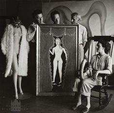 RT @urlivernenghi Hermann Landshoff : Leonora Carrington, Ernst, Duchamp, Breton, NY 1942.
