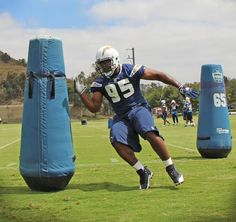 Dwight Freeney at #Chargers practice #NFL #Bolt #OTA
