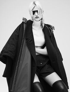 Veronika Vilim by Stefan Zschernitz for Stylist Magazine October 2015