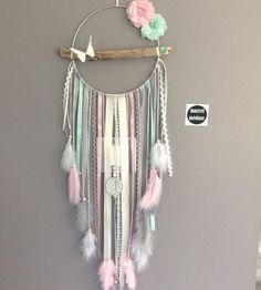 Dream catcher in driftwood and butterfly, beige, mint and powder pink – DIY Crafts Flower Places, Diy And Crafts, Arts And Crafts, Simple Crafts, Baby Crafts, Simple Diy, Wood Crafts, Fleurs Diy, Diy Bebe