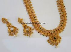 Huge Uncut and Antique Mango Haram - Latest Indian Jewellery Designs Antique Jewellery Designs, Indian Jewellery Design, Indian Jewelry, Jewelry Design, Gold Haram Designs, Gold Earrings Designs, Gold Designs, Necklace Designs, Mango Necklace
