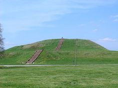 Cahokia Mounds State Historic Site is located on the site of a pre-Columbian Native American city (c. 600–1400 CE) situated directly across the Mississippi River from modern St. Louis, Missouri. This historic park lies in southern Illinois. The park covers 2,200 acres, or about 3.5 square miles, & contains about 80 mounds. In its heyday, Cahokia covered about six square miles & included about 120 human-made earthen mounds in a wide range of sizes, shapes, & functions.