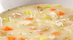Soupe-repas crémeuse au poulet et riz - Recettes de cuisine, trucs et conseils - Canal Vie Soup Recipes, Cooking Recipes, Healthy Recipes, Easy Snacks, Easy Meals, Recipe For Mom, Light Recipes, Soups And Stews, Cooking Time