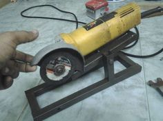 Angle Grinder Stand for Safe Use: simple to make. length of stand os and breath is 4 inch. stem height is inch. this is all about main stand. now the grinder holder is of 8 x inch. square pipe of inch is used. simple way to make for more better safety. Welding Cart, Welding Shop, Welding Table, Diy Welding, Metal Projects, Welding Projects, Blacksmith Projects, Cool Tools, Diy Tools