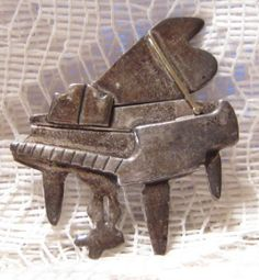 Vintage Sterling Silver Piano Brooch Signed Anne Harvey