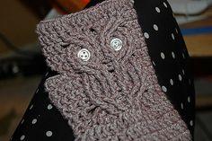 Ravelry: Owl Mitt free crochet pattern