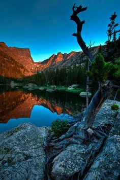 Portofolio Fotografi Pemandangan Alam - Dream Lake in Rocky Mountain National Park  #LANDSCAPEPHOTOGRAPHY, #PHOTOGRAPHICSCENERY