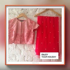 Sari designs and colour Silk Saree Blouse Designs, Saree Blouse Patterns, Designer Blouse Patterns, Indian Dresses, Indian Outfits, Fancy Sarees Party Wear, House Of Blouse, Eastern Dresses, Sari Design