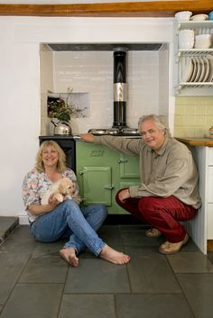 Nick and Janina in front of their new ESSE WN cooker.
