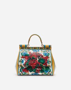 Discover this women's medium Sicily bag in floral-print Dauphine calfskin. Shop now on Dolce&Gabbana. Dolce & Gabbana, Dolce Gabbana Online, Fun Prints, Floral Prints, Purses And Handbags, Collection, Sicily, Printed, Medium