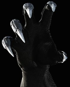 More high-res Black Panther from EW's 'Captain America: Civil War' issue! Here's a closer look at those vibranium claws!