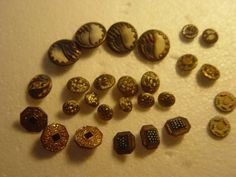 nice collection of art deco buttons by alomartesantiques on Etsy