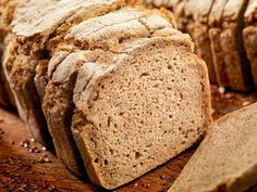 Gluten-free beer bread, sandwich bread, buckwheat bread, and more GF loaves you can make in no time. Gluten Free Beer, Gluten Free Dinner, Wheat Free Recipes, Gluten Free Recipes, Gluten Free Sandwich Bread Recipe, Buckwheat Bread, Pan Sin Gluten, Pan Integral, Goodies