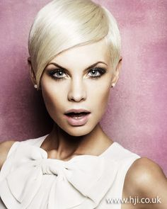 Photo of 2012 short cropped pixie style blonde hair hairstyle