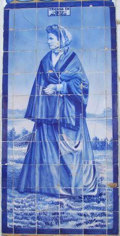 TRICANA de 1870 - nome dado às raparigas camponesas de Aveiro ou de Coimbra, que usavam uma saia, traje característico.