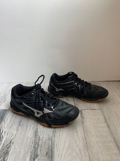 mizuno womens volleyball shoes size 8 x 3 inch pocket