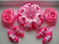 Одноклассники Ribbons Galore, Newborn Bows, Ornament Wreath, Ornaments, Hair Decorations, Felt Flowers, Hair Band, Headbands, Gift Wrapping