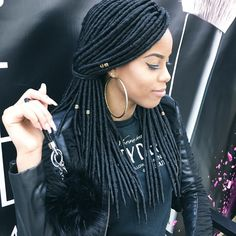 #BDGIRL Hey Ladies looking for a neat protective style for season well here is a solution for you. @janetcollection 2X HAVANA MAMBO FAUX LOCS #fauxlocs lightweight, soft, and very natural. These faux locs are a fab and stylish, they are easy to install and so many fun style. To achieve the full look, 4-6 packs are recommended. This hair is great and has Beauty Depot's reps stamp of approval. Hurry over to www.shopbeautydepot.com or shop with us through our mobile app