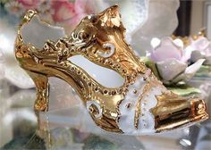 ITEM # RA-20 (Box R-4)   Circa late 1800s early 1900s unsigned, but German quality fine porcelain, and most likely Galluba  Hofmann, ladies slipper-shoe. Shoe has heavy gold gilding with stunning ornate bead work.   Measures 6 3/4 long by 2 1/4 wide and is 3 tall.   Very good antique condition with typical wear due to age and handling. The gold is near mint with minimal rub marks on the tips. No chips, cracks, repairs, stains etc found.   PLEASE let me know if you need any additiona...