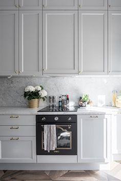 Indian Home Interior Home Interior, Interior Design Kitchen, Interior Design Living Room, Interior Modern, Home Decor Kitchen, New Kitchen, Home Kitchens, Home Luxury, Elegant Home Decor
