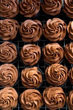 Perfectly Moist Chocolate Cupcakes - A light, fluffy, silky and dreamy Chocolate Buttercream Frosting. Perfect for frosting cakes, cupcakes, and more! Chocolate Buttercream Recipe, Chocolate Icing, Semi Sweet Chocolate Chips, Chocolate Flavors, Chocolate Cupcakes, Melting Chocolate, Chocolate Recipes, Homemade Chocolate Frosting, Cupcake Recipes