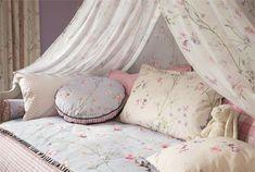 Tecidos Sanderson, colecção Abracazoo. À venda na Nova Decorativa! #decoração #tecidos #homedecor #fabrics #Sanderson