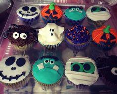 Boo!!!  #honiesbakery #cupcakes #halloween #diademuertos #dayofthedead #trickortreat #ghost #mummy #fantasma #momia #jack #frankie #calabaza #pumpkin #araña #spider #chocolate #vainilla #ganache #frosting #sprinkles #fondant