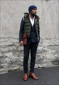 How to Wear a Puffer Vest without looking like the Marshmallow Man. #vest #jacket #gilet Mode Masculine, Navy Dress Pants, Men Dress, Dress Boots, Blazer Dress, Shirt Dress, Fashion Mode, Fashion Boots, Puffer Vest Outfit