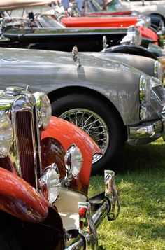 sweet! Town And Country, Country Life, Vintage Cars, Antique Cars, Automobile, British Sports Cars, Auto Glass, Its A Mans World, Old Classic Cars
